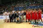 图文-[斯杯]中国男篮VS俄罗斯容祖儿携男篮献爱心