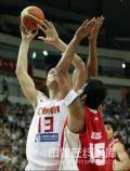 图文-[钻石杯]中国男篮VS伊朗 姚明单打对手