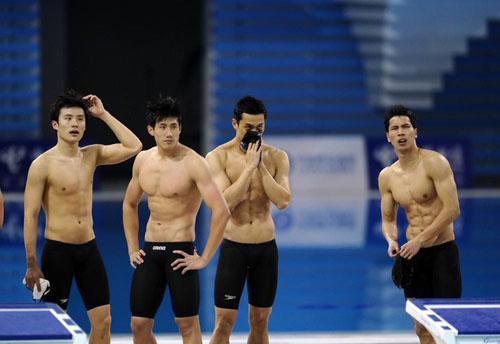 中国队男子4x100米混合泳接力。