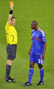 欧洲杯-托尼造点球红牌意大利2-0胜法国战西班牙