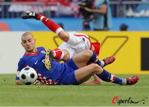 图文-[欧洲杯]奥地利VS克罗地亚比赛中人仰马翻