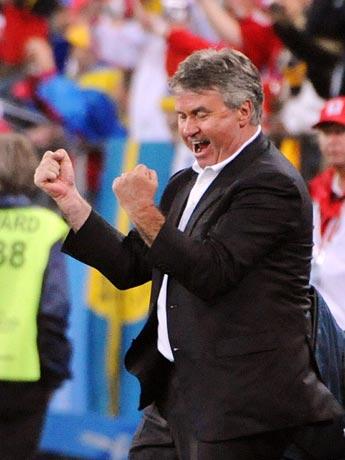 图文-[欧洲杯]俄罗斯2-0瑞典主帅希丁克兴奋不已