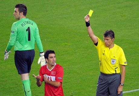 图文-[欧洲杯]克罗地亚VS土耳其罗塞蒂亮出黄牌