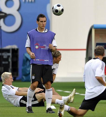 图文-德国队备战与西班牙决赛克洛斯期待决赛进球