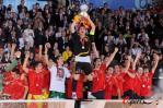 图文-西班牙队夺得欧洲杯冠军斗牛士站上欧洲之巅