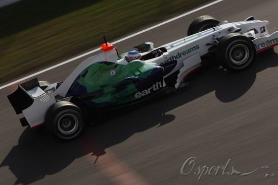图文-F1巴塞罗那试车(2月3日)巴顿测试RA108