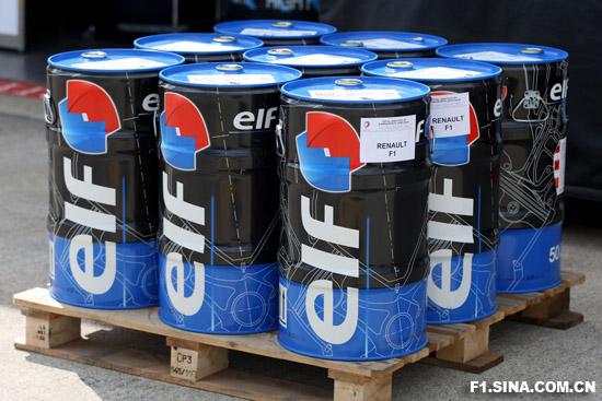 图文-F1车队备战英国GP雷诺使用的埃尔夫燃油