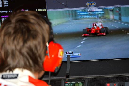 图文-F1新加坡站第二次练习工程师监督费斯切拉