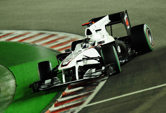 图文-F1新加坡站周六练习海德菲尔德悬崖勒马