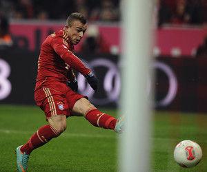 德甲-新援3线进球标王受伤拜仁1-1未达半程纪录