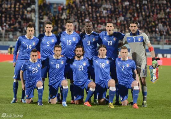 AC米兰+尤文图斯组成了意大利的首发11人