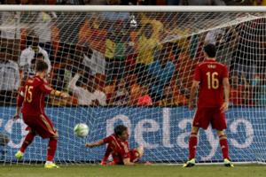 热身赛-西班牙客场负南非10人荷兰战平全年不败