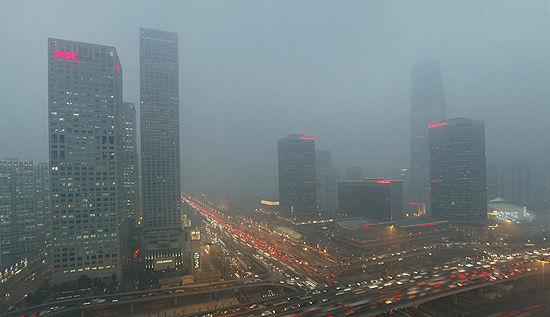 雾霾笼罩下的北京