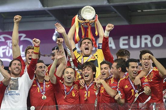 西班牙要想成为史上最佳球队还需要在2014年的世界上证明自己