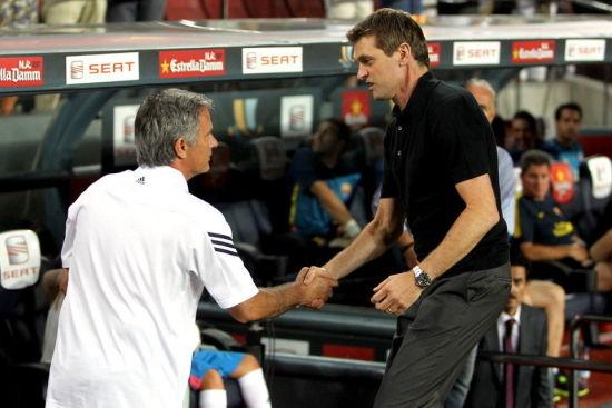 穆里尼奥接受葡萄牙《球报》采访,为佩佩辩护并回击巴萨主帅比拉诺瓦