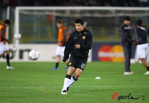 图文-[冠军杯]罗马VS曼联中国前锋脸上写满了自信