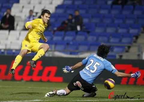 图文-[国王杯]维尔瓦1-0比利亚雷亚尔罗西挑战门将