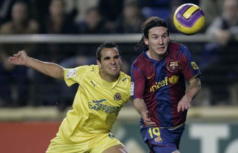 图文-[国王杯]比利亚雷亚尔0-0巴萨梅西伤愈复出了!