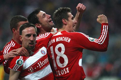 图文-[德国杯]拜仁2-0沃尔夫斯堡南部之星欢庆胜利