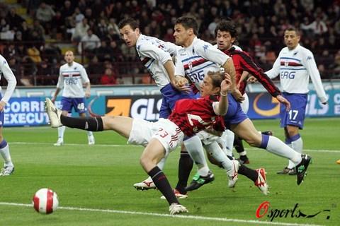 图文-[意甲]AC米兰1-2桑普多利亚安布罗西尼抢射