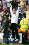 图文-曼联庆祝英超卫冕成功弗格森惊人弹跳力