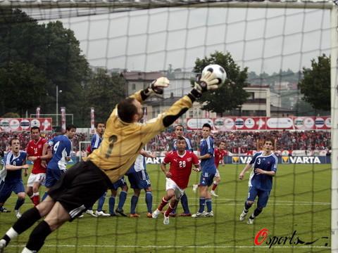 图文-[热身赛]瑞士2-0斯洛伐克大力轰门势不可挡