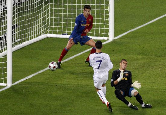 图文-[欧冠]巴塞罗那2-0曼联C罗距离破门近在咫尺