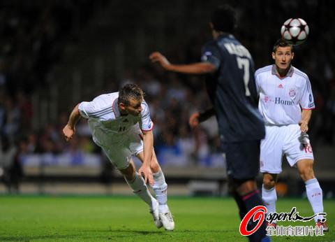 图文-[欧冠]里昂0-3拜仁这一瞬间被载入拜仁历史