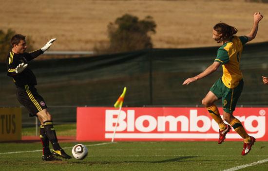图文-[热身赛]澳大利亚1-0丹麦肯尼迪打入唯一入球
