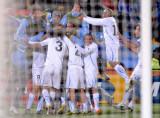乌拉圭队庆祝第三球