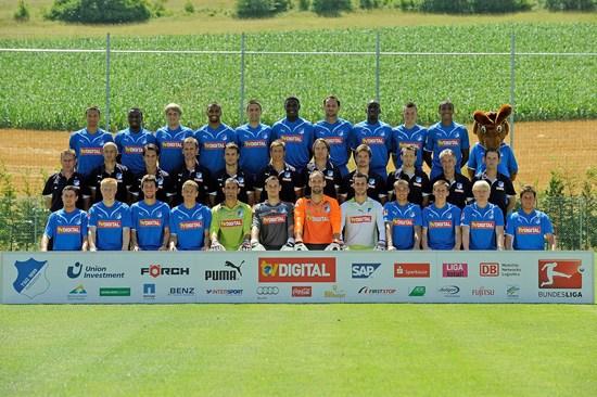 图文-2010-11赛季德甲球队全家福霍芬海姆