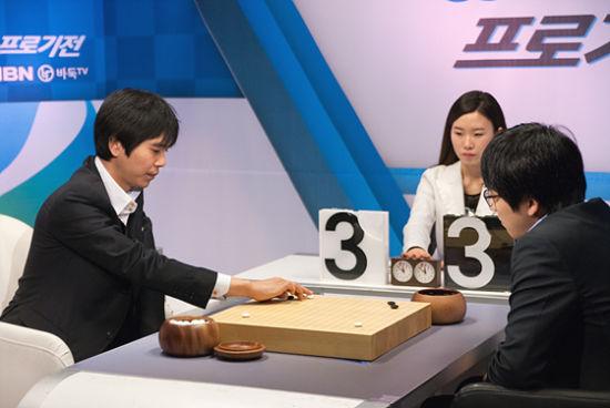 金志锡(右)3-0零封李世石