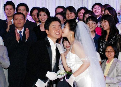 图文 韩国棋界美女韩海苑婚礼