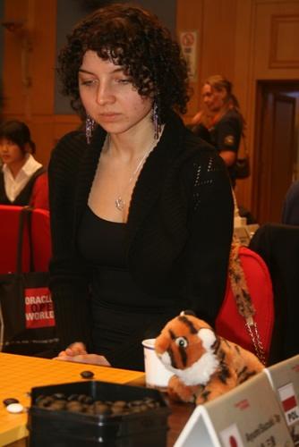 图文-智运会围棋女子团体赛第5轮小老虎前来助阵