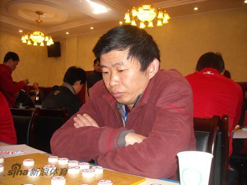 图文-全国象棋个人赛第3轮现场程进超聚精会神