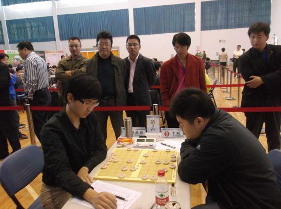 图文-全国象棋个人赛第4轮 赵鑫鑫-王跃飞