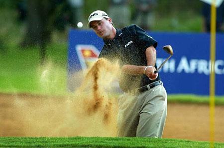 球技-站稳脚跟开放站位高尔夫打沙坑球技巧