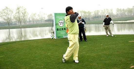 香山球会希望留下一幅作品 王筱晨:打高尔夫要多悟