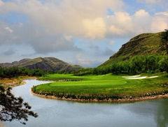 北京房山世界地质公园内 一渡高尔夫球场介绍