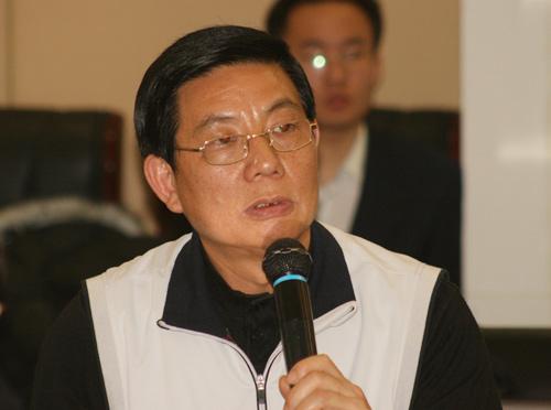 图文-别克俱乐部联赛工作会议厦门高协代表发言