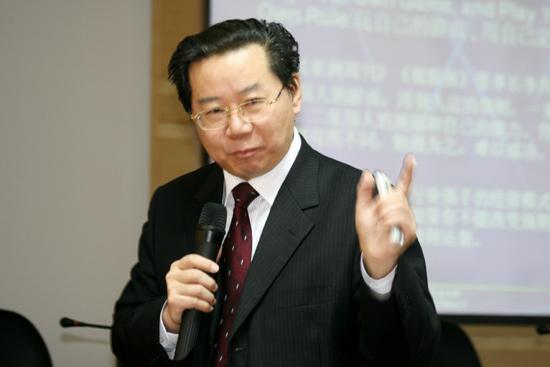 图文-人大高尔夫EMBA欢聚丽江人大商学院杨杜教授