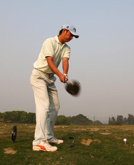 图文-戴尔高尔夫球锦标赛配对赛蔡楠