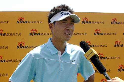 图文-华彬公开赛第三轮张新军满意表现