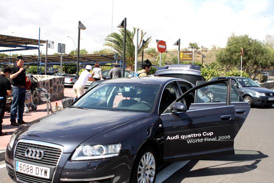 图文-奥迪quattro杯世界总决赛新款轿车全程接送