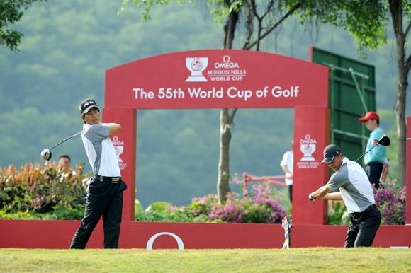 图文-高尔夫世界杯第3轮中国队做最后的准备