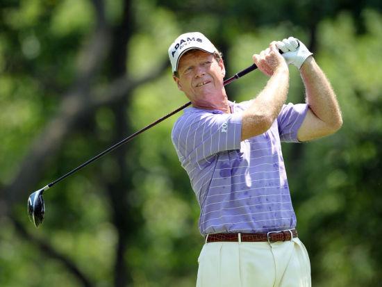 新浪体育讯 北京时间5月30日,61岁汤姆-沃森在延长赛中击败大卫-厄格尔(David Eger),赢得美国常青PGA锦标赛,成为冠军巡回赛1980年成立以来,最年长的冠军巡回赛大赛冠军。他的四轮成绩为278杆,低于标准杆10杆。