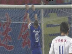 视频-瓦罗得球直面门将 射门中柱错失绝佳机会