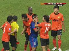 视频集锦-1场比赛3点球 申花2-1争议点球绝杀武汉
