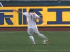 视频-辽宁前场精彩2过1 埃杜起脚打门球偏出