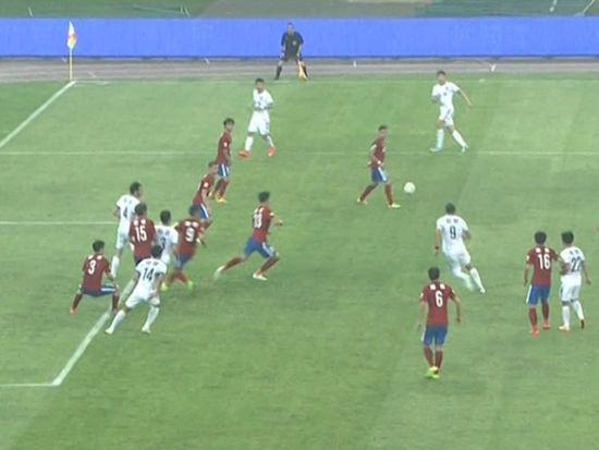 进球视频-铁卫铲球放倒俩 天津战术任意扳回一球